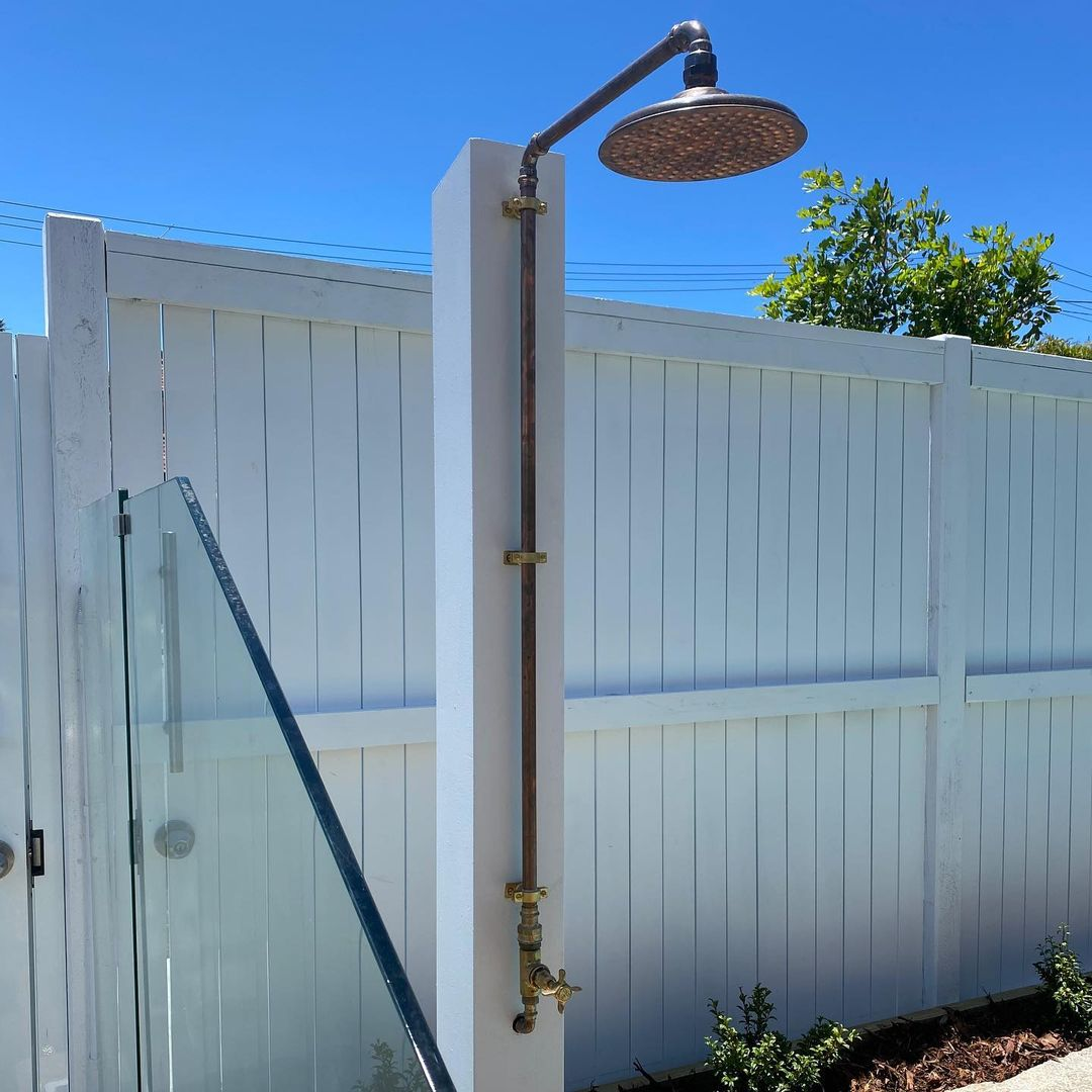 services-outdoor-shower